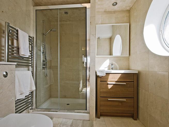 Cambiamos tu bañera por plato de ducha